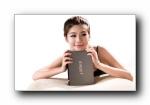 忆捷科技硬盘美女代言宽屏壁纸