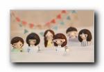 《青春纪念馆》手工陶泥娃娃宽屏壁纸